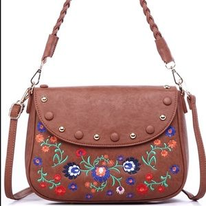 🎉hp🎉 Floral Embroidered Handbag